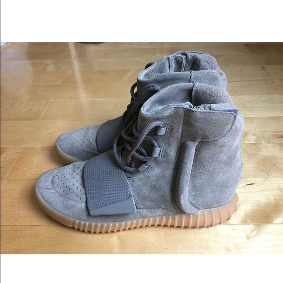 huge selection of 643a7 1e674 Yeezy boost 750 'Gray Gum'